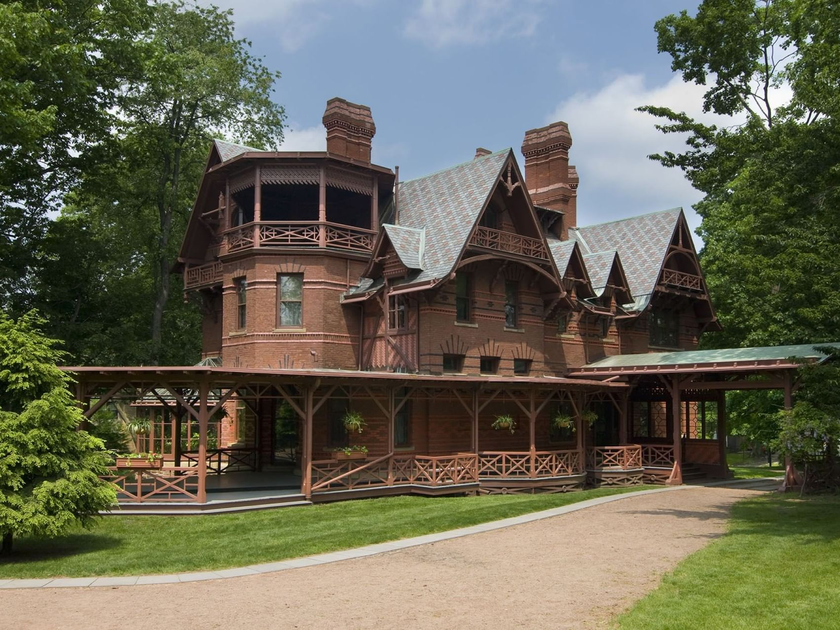 Exterior view of Mark Twain House near Avon Old Farms Hotel