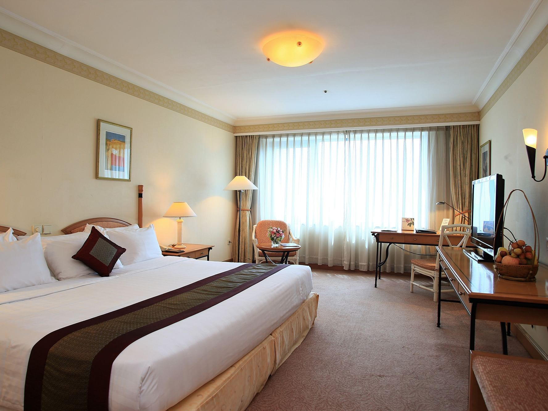 Deluxe Room with one bed at Hanoi Daewoo Hotel