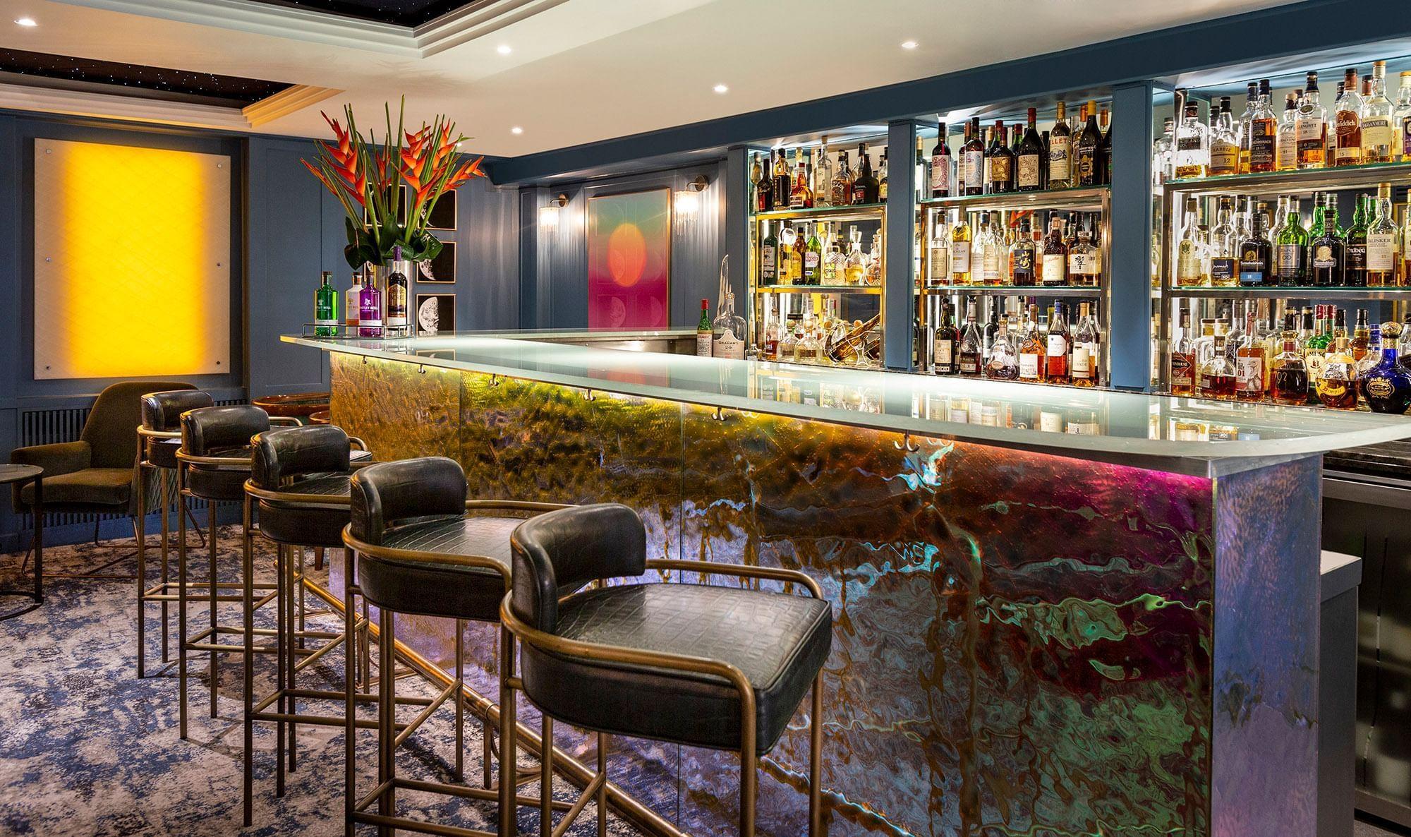 London  Capital Hotel Bar