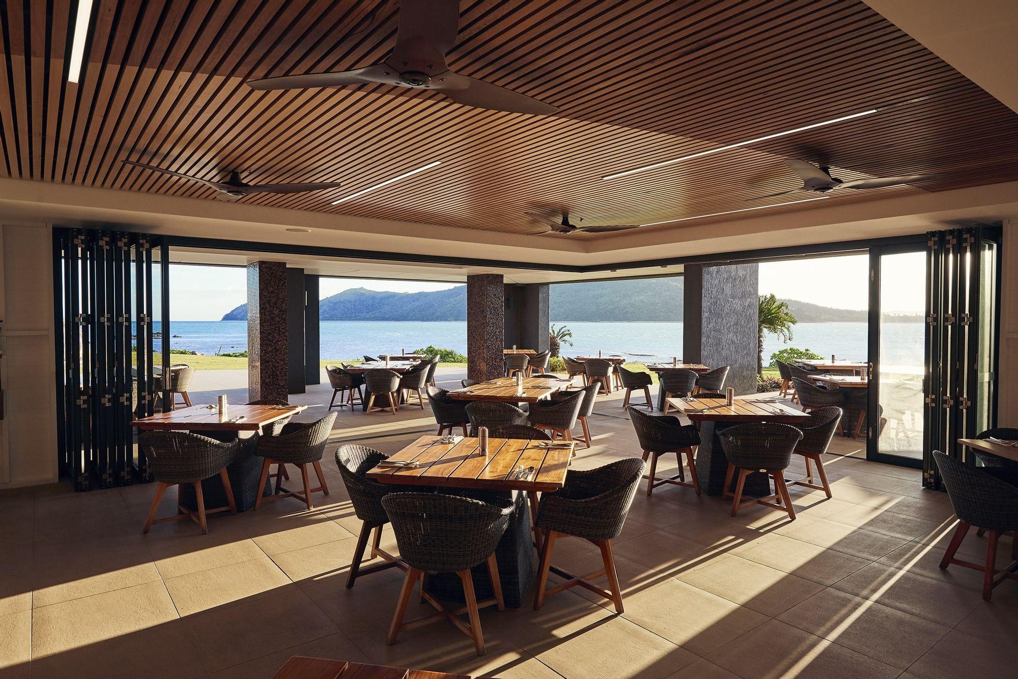 Inkstone Kitchen & Bar with sea view at Daydream Island Resort