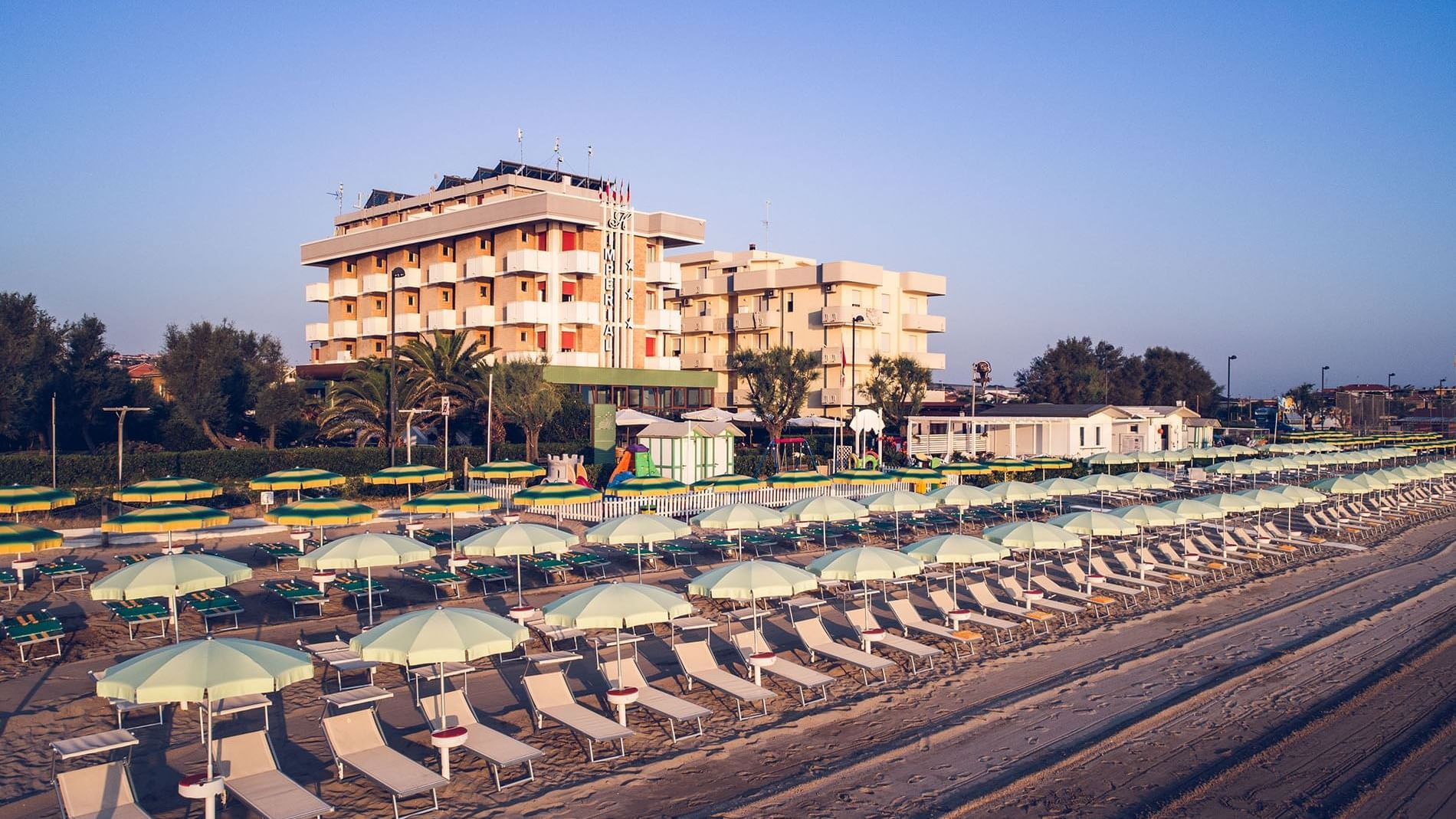 UNAWAY Imperial Beach Hotel Fano ti dà il benvenuto