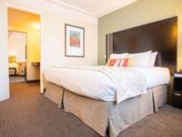 Coast-Kamloops-Premium-Suite-1-King 2