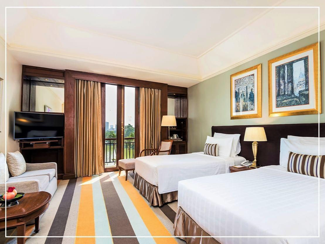 Deluxe king bedroom Garden view at Chatrium Hotel Riverside