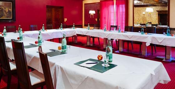 Meeting Room Spiegelsaal I at Romantik Hotel Schloss Pichlarn, A