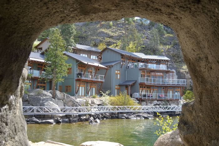 Outside view of bay villas at Outback Lakeside Vacation Homes