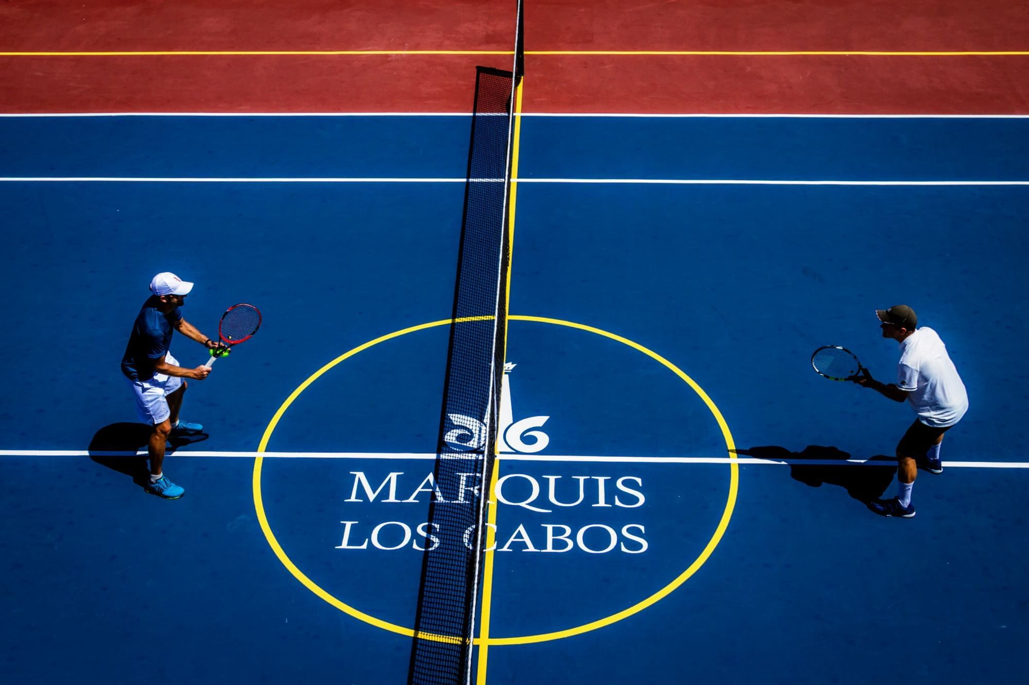 Two people playing tenis - Marquis Los Cabos