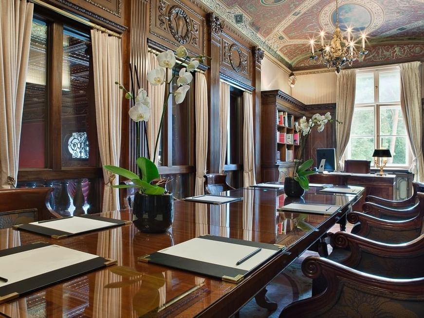 Bibliothek Meeting Room at Patrick Hellman Schlosshotel