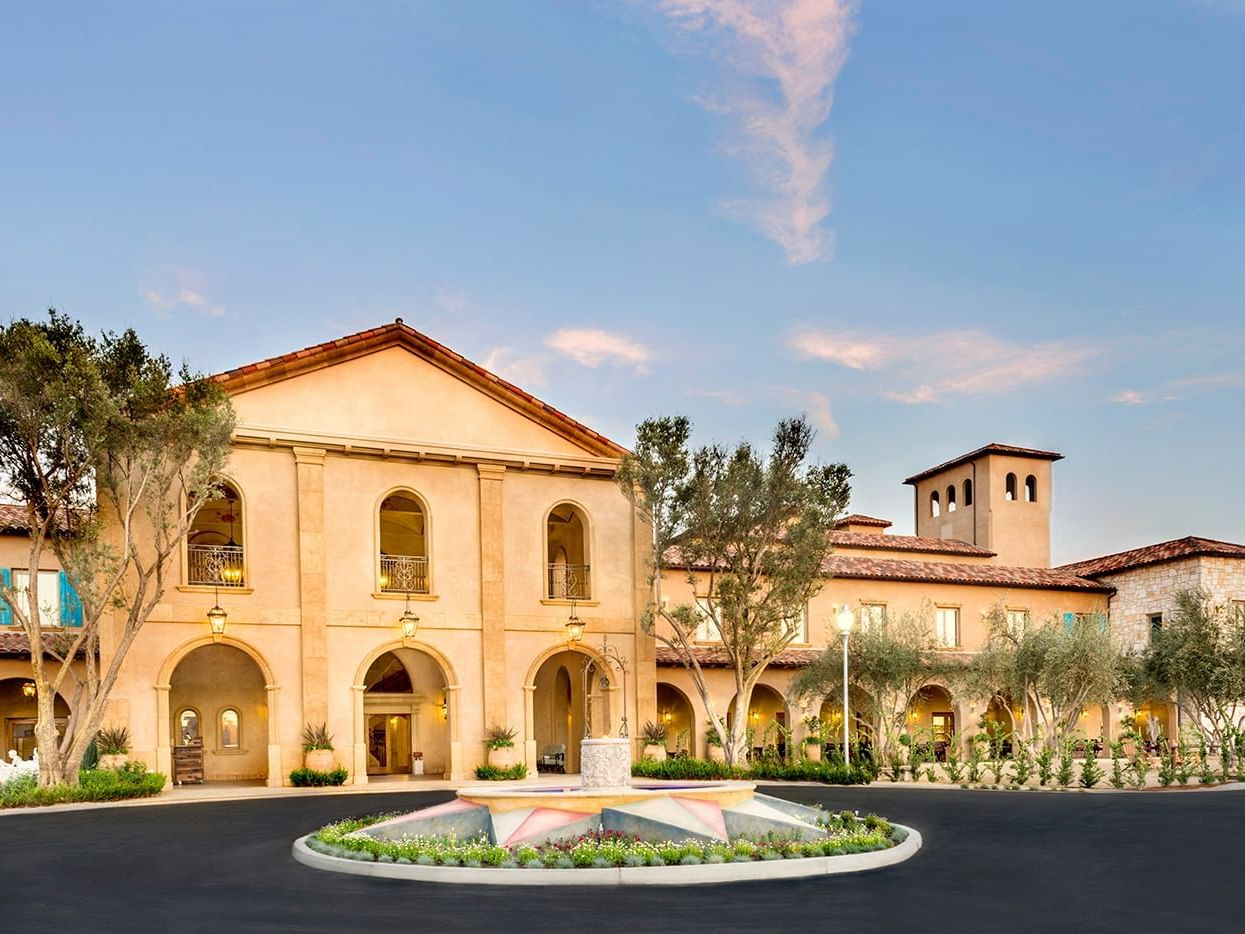 Driveway entry and water fountain of Allegretto Vineyard Resort