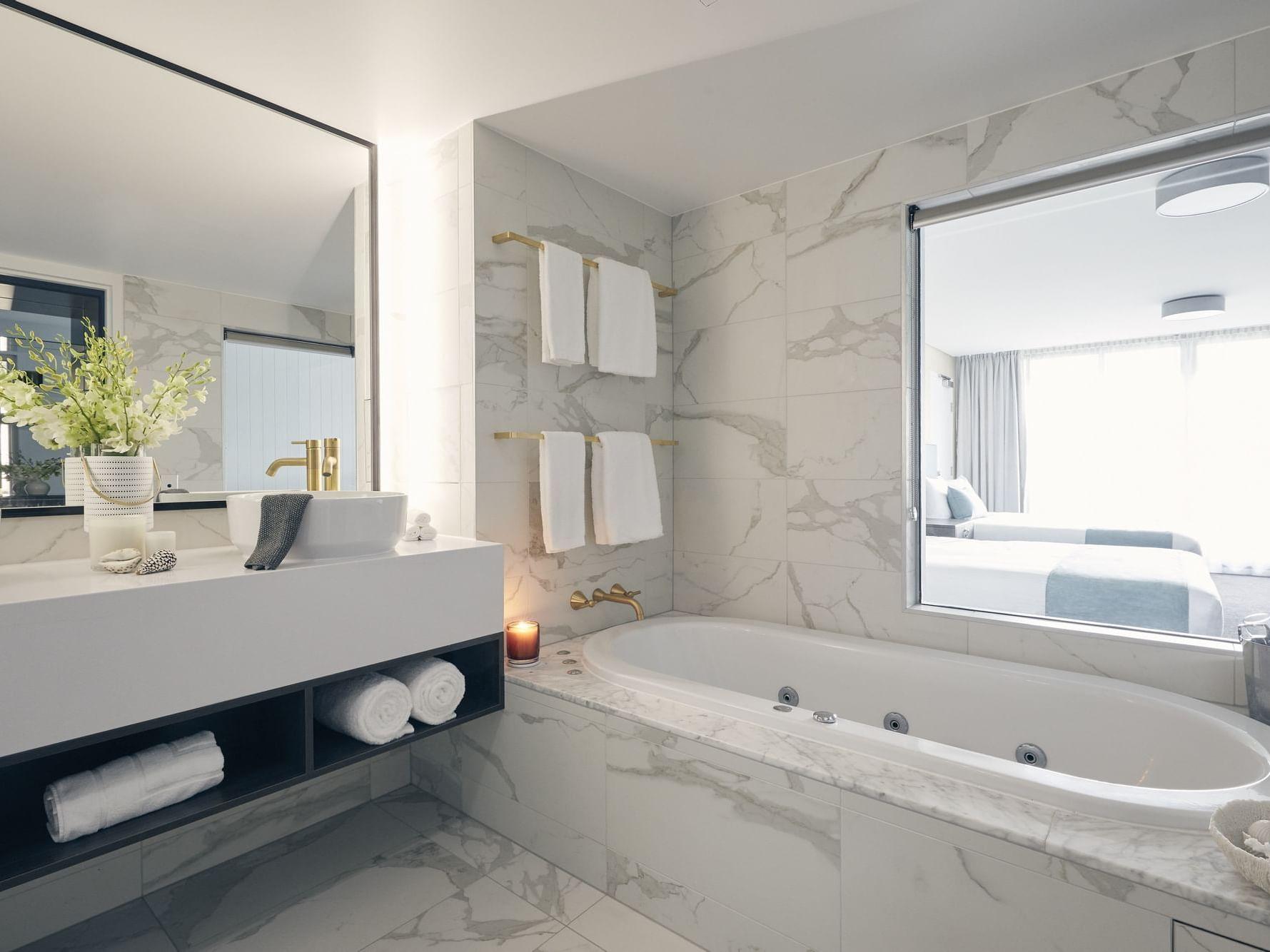 Bathtub in Serenity room at Daydream Island Resort