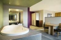 Coast Prince George Hotel by APA - Jacuzzi Suite(6)