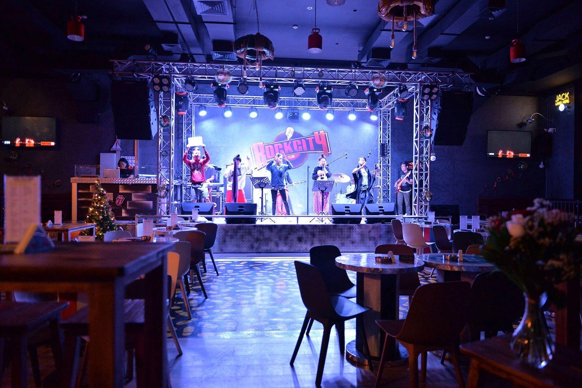 Strato Hotel by Warwick Rock City Club