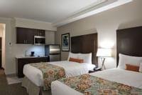 Coast Oliver Hotel - Comfort Room Queen Queen - Galley Kitchen