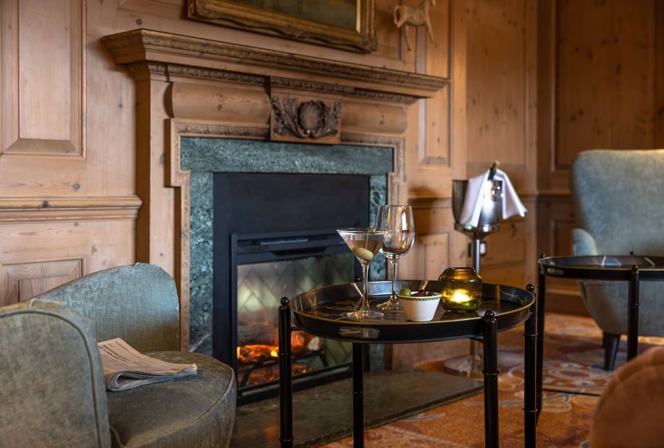 Drinks by the fireplace in Clip Bar at The Relais Henley