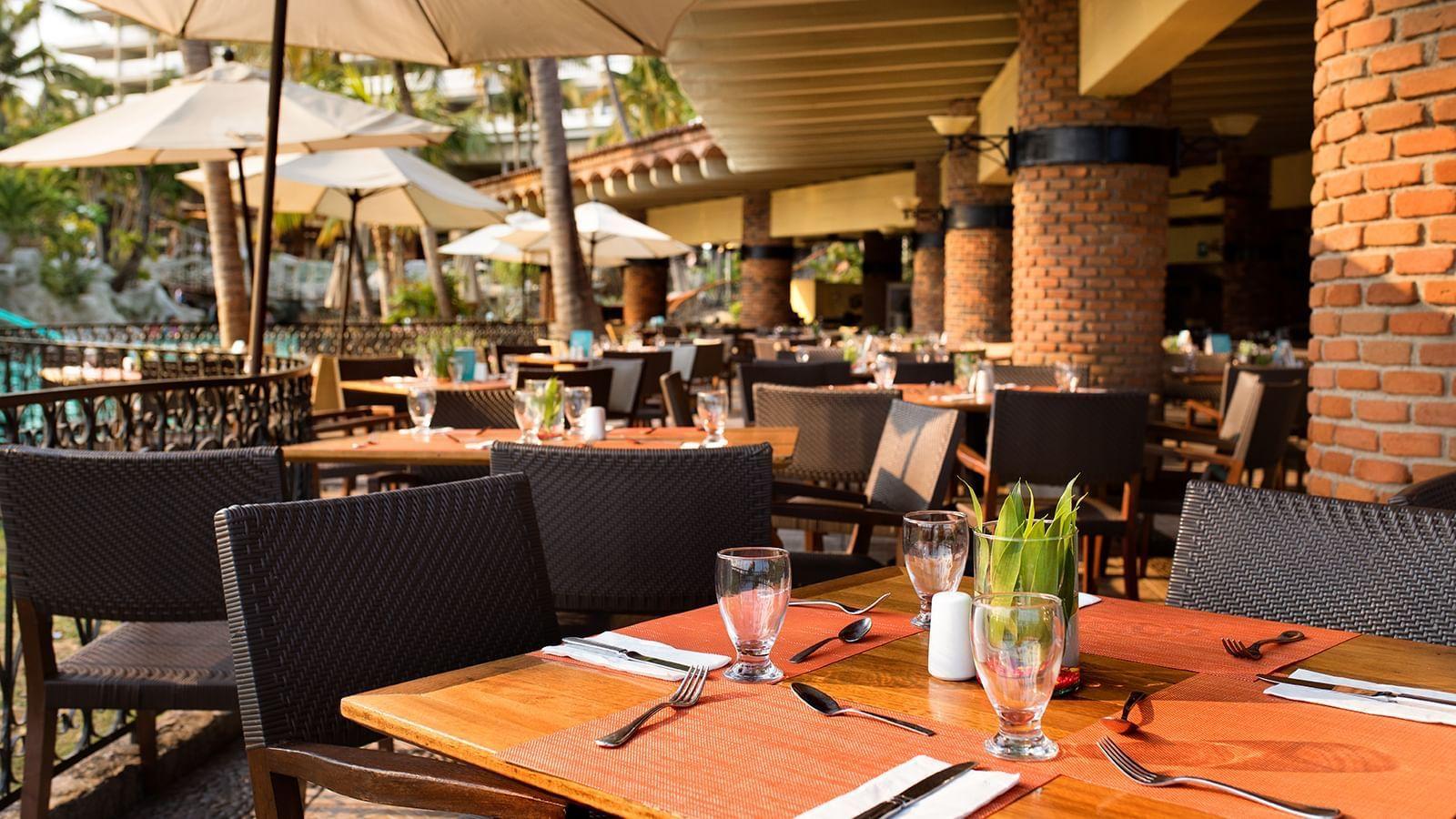 Dining area at Chula Vista Restaurant in Princess Mundo Imperial