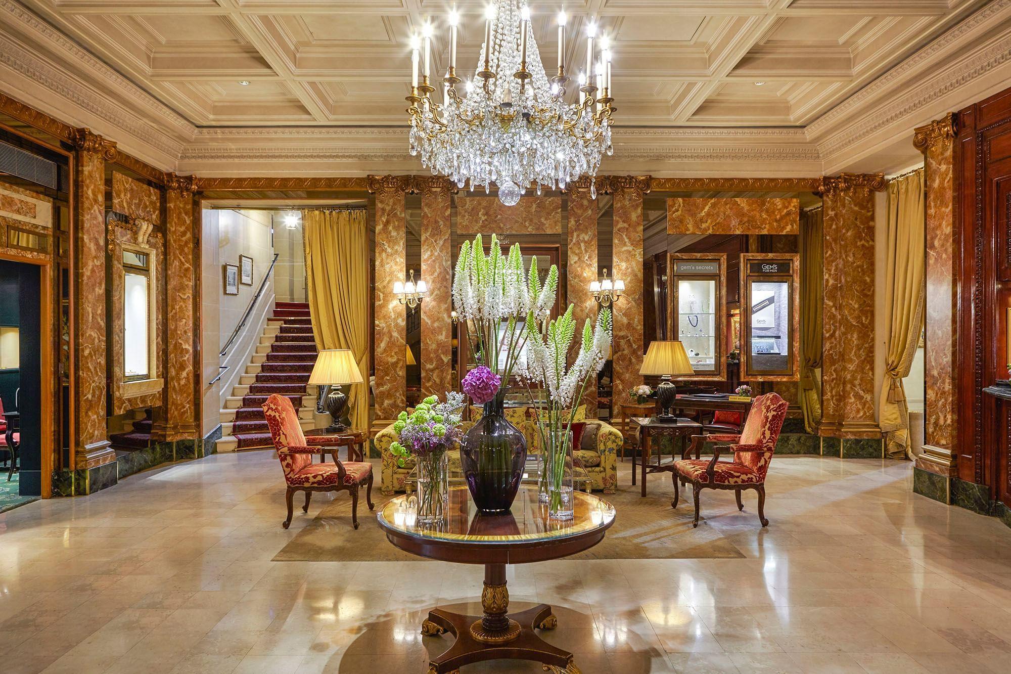 Lobby side way at Hotel Westminster Warwick Paris