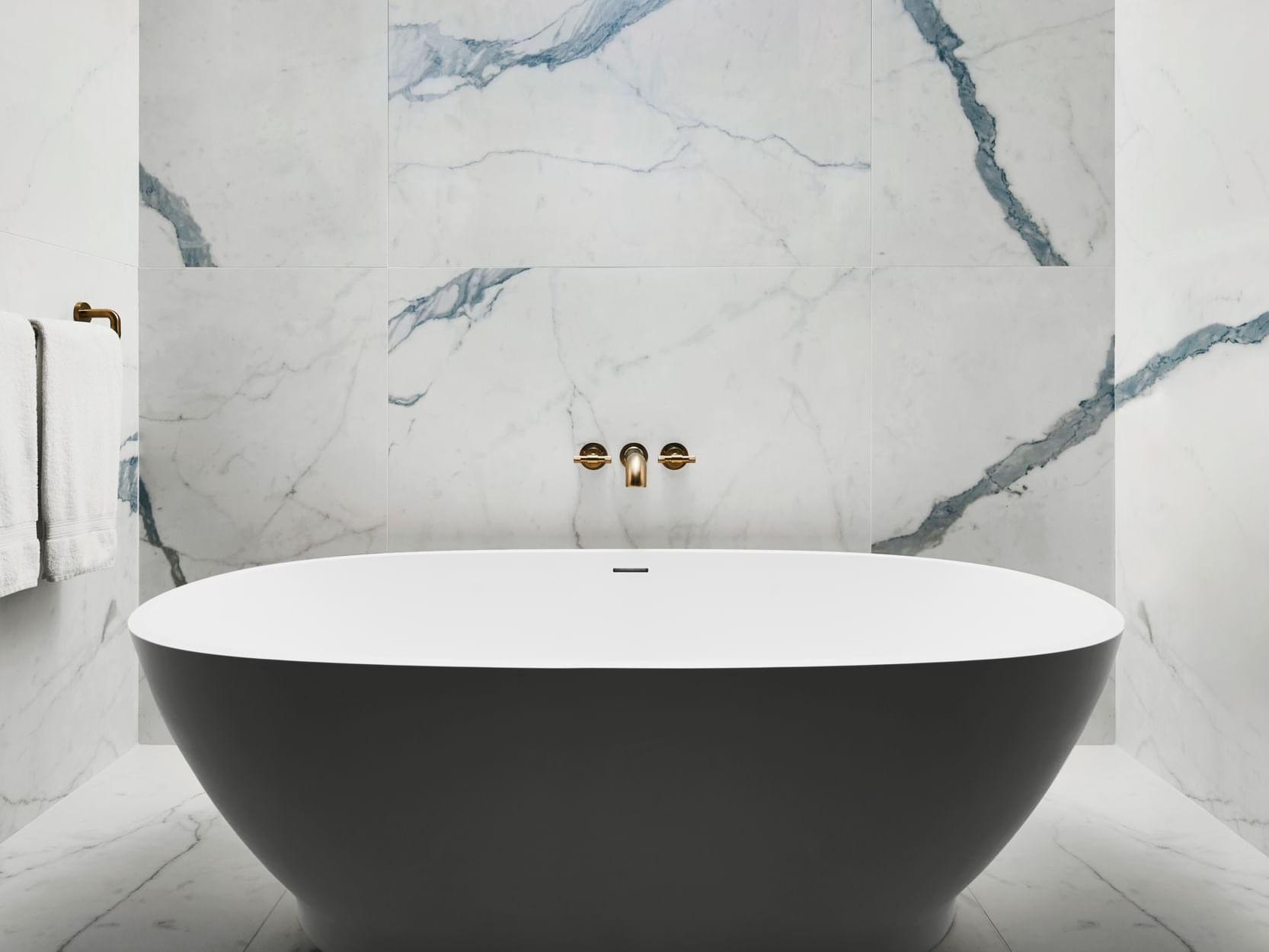 Poliform Penthouse Soak Tub