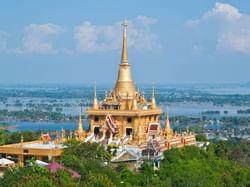 วัดคีรีวงศ์ - Hop Inn Nakhon Sawan (Budget hotel) - โรงแรมราคาประหยัด โรงแรมฮ็อป อินน์ นครสวรรค์
