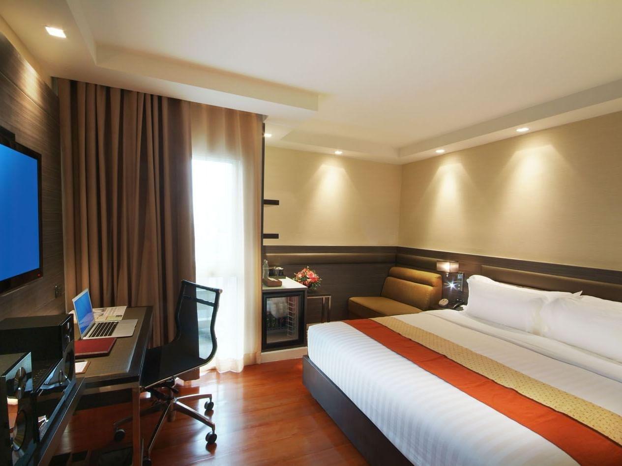 Neo Superior room at Amora Hotel