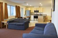 Coast Osoyoos Beach Hotel - Penthouse Suite Kitchen(4)