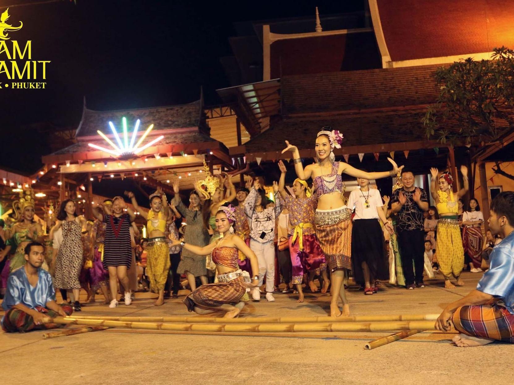 Re-show entertainment of Siam Niramit near Chatrium Hotel Riverside Bangkok