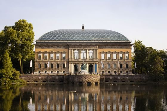 A historical building near Precise House Düsseldorf Airport