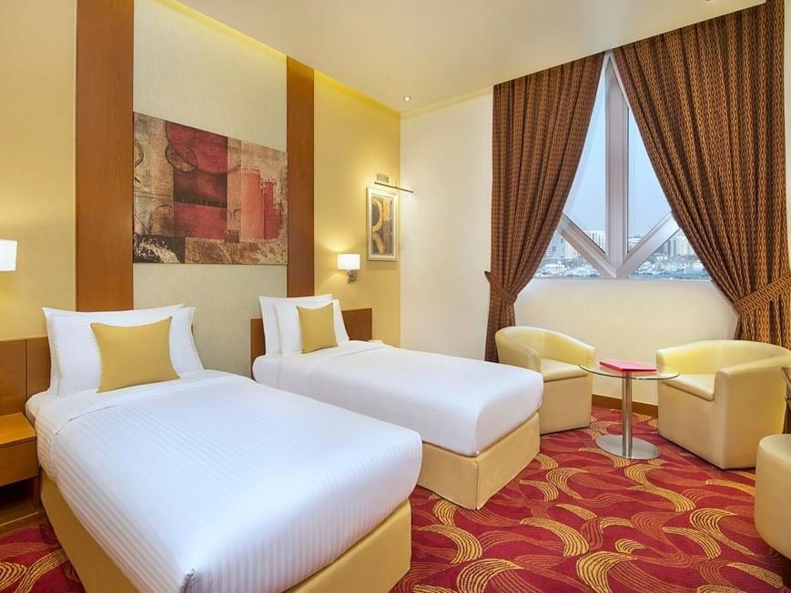 Deluxe Twin Room at City Seasons Towers