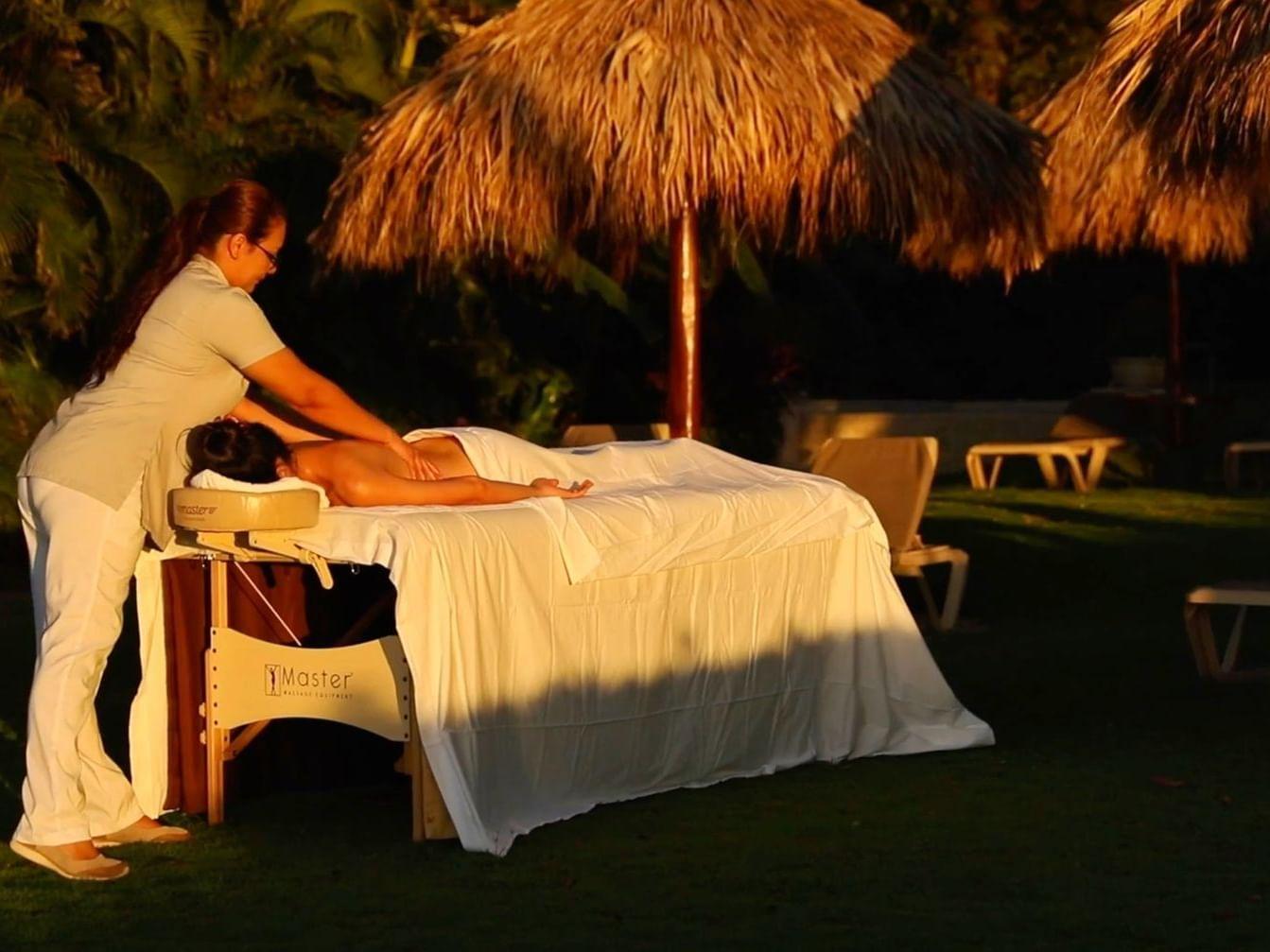 Outdoor Massage at Jardín del Edén Boutique Hotel