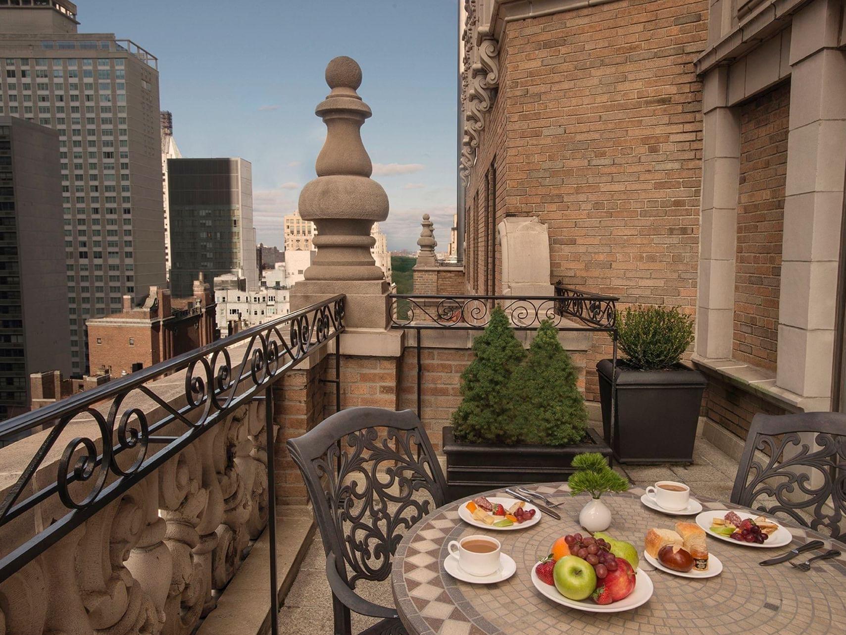 Signature Suite Terrace Breakfast