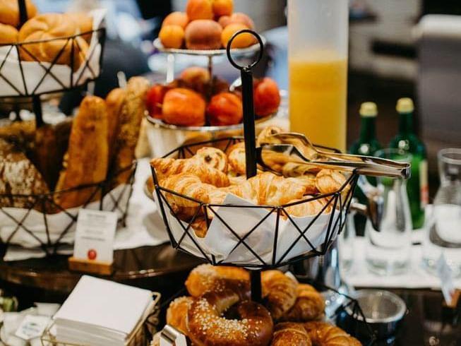 Hotel Topazz Lamee Breakfast