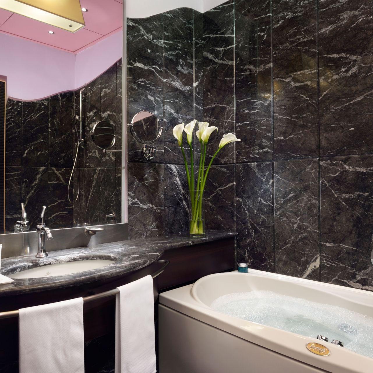 UH_Malpensa_Suite_bathroom