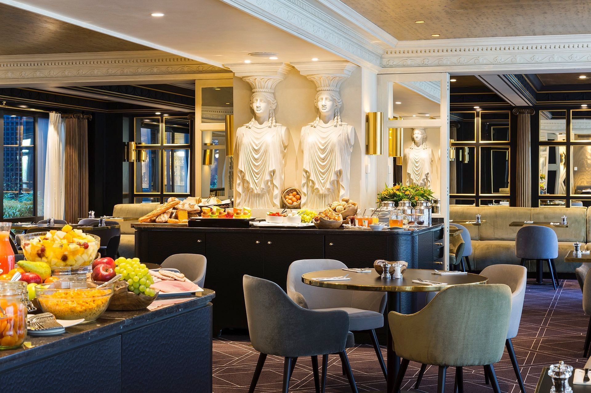 The Avenue Breakfast Buffet at Hotel Barsey by Warwick