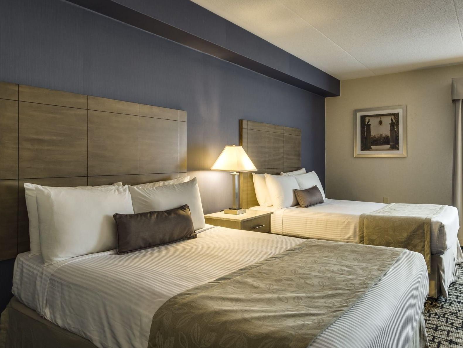 Two Queen Beds - Monte Carlo Inns Oakville Suites