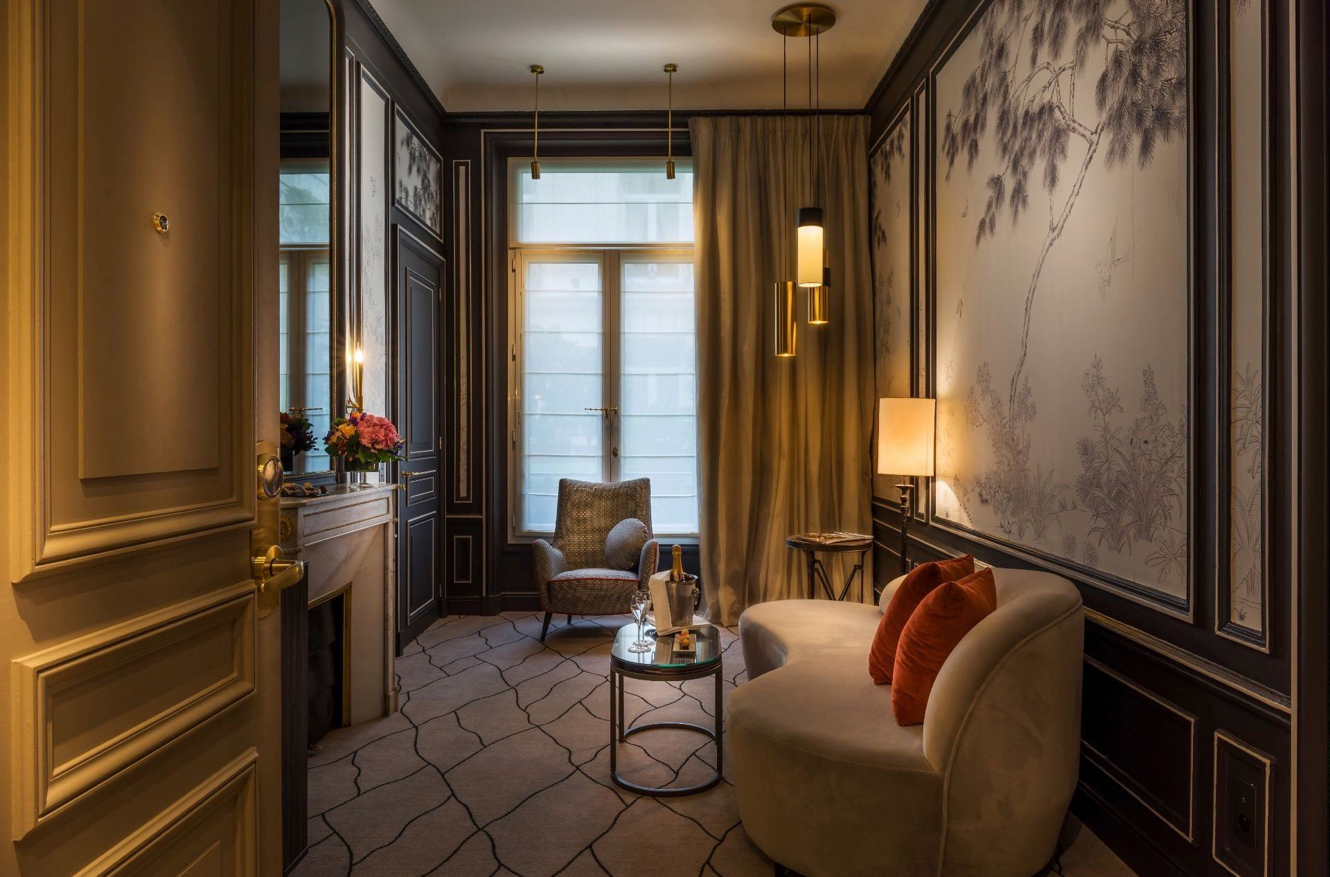 Salon de la suite exclusive au Westminster Warwick Paris