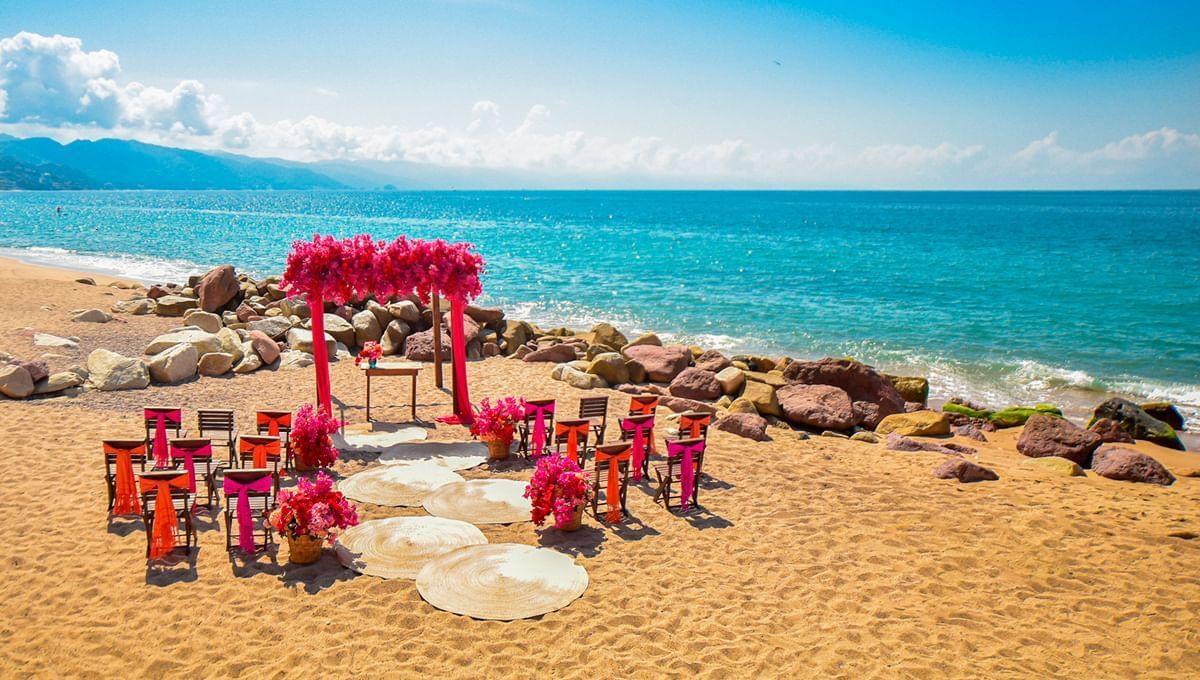 dream decoration place at Sunset Plaza Beach Resort