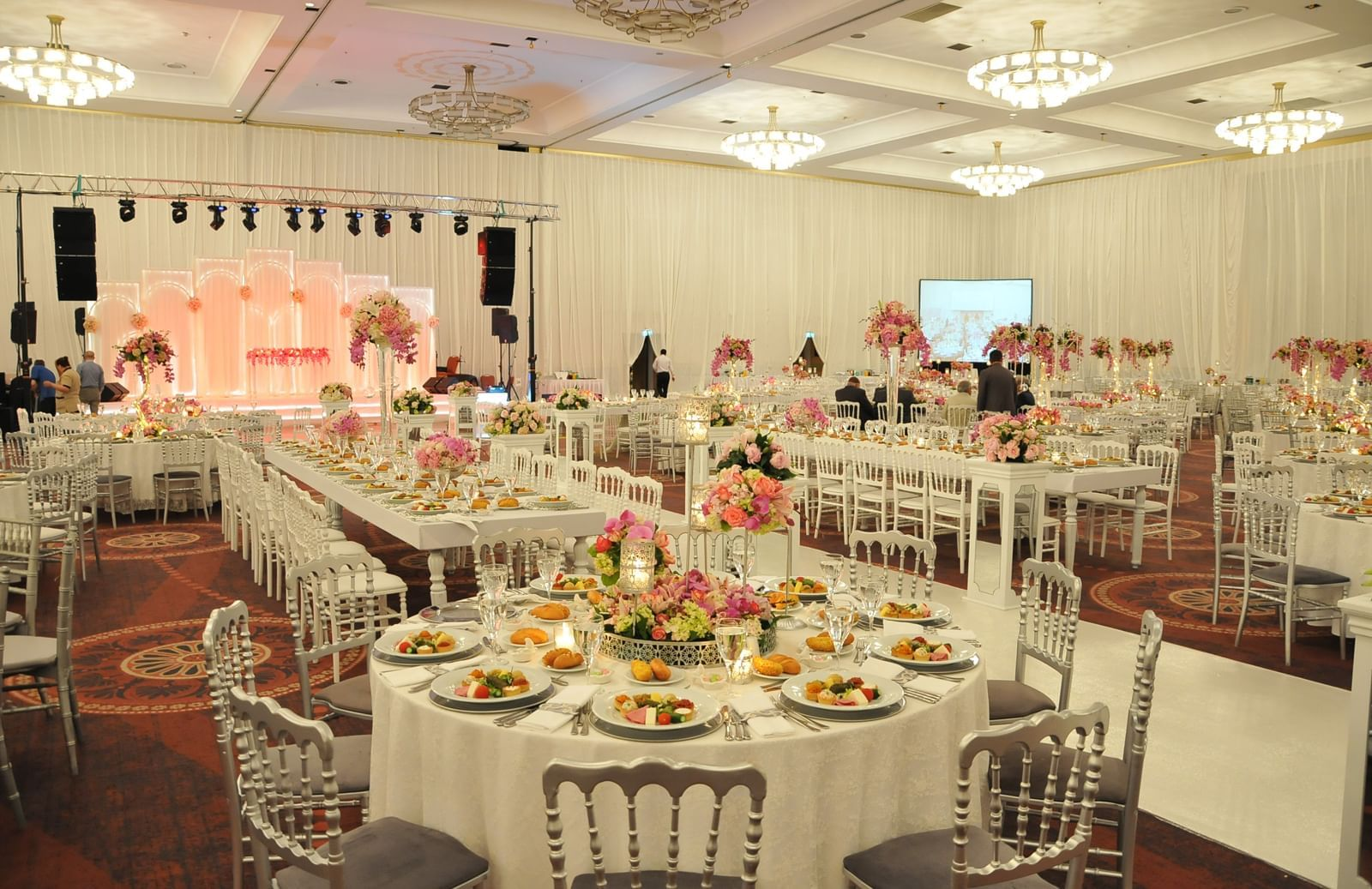 Wedding hall round shape tables at Wow Hotels Group