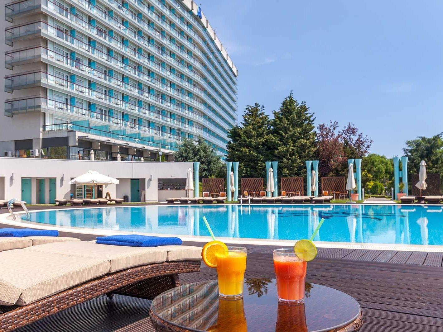 Bar Piscină la Ana Hotels Europa Eforie Nord