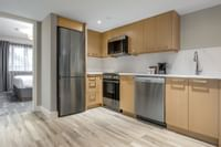 Coast Premium Two Queens Suite - Kitchen