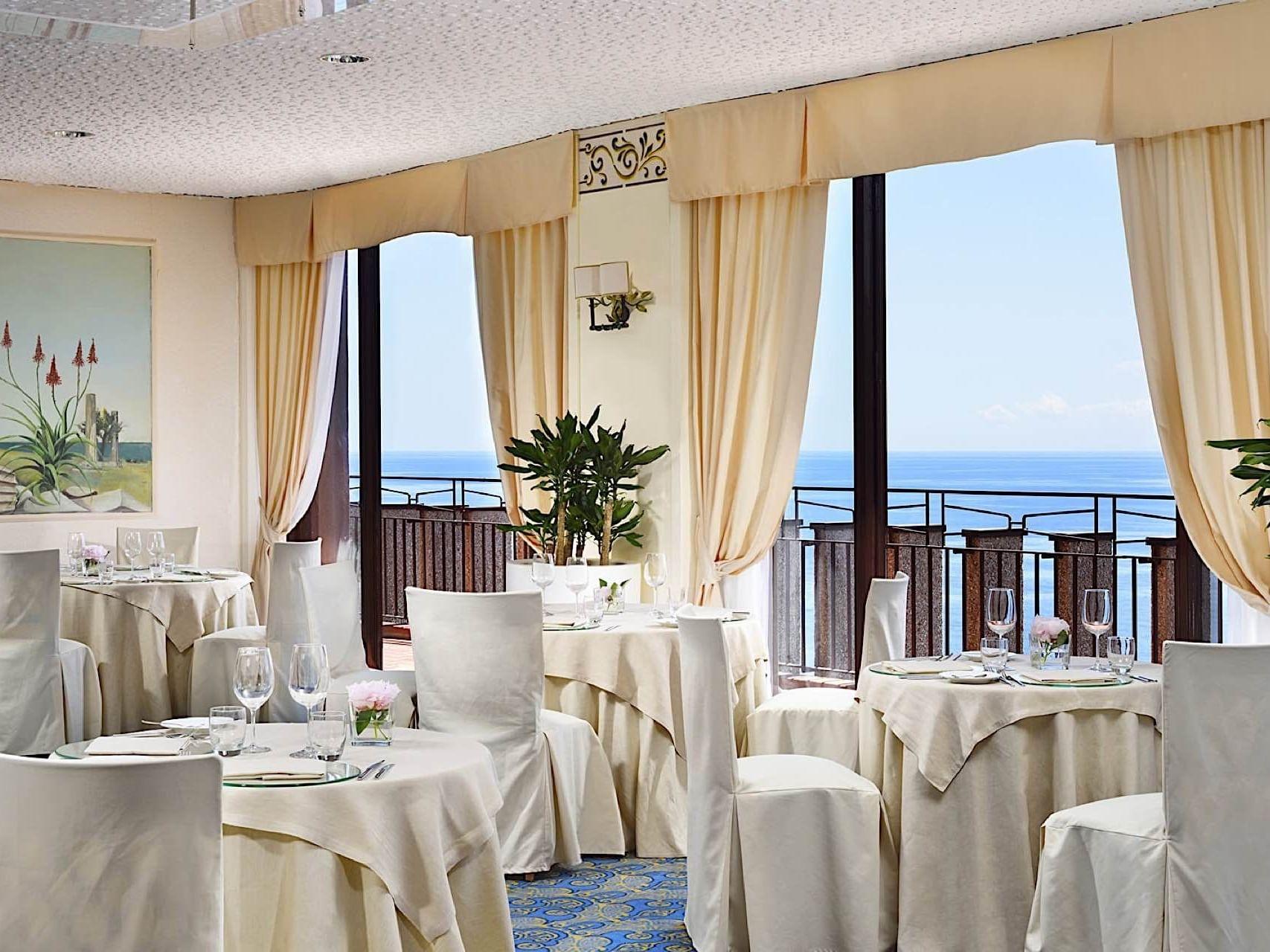 naxos restaurant taormina