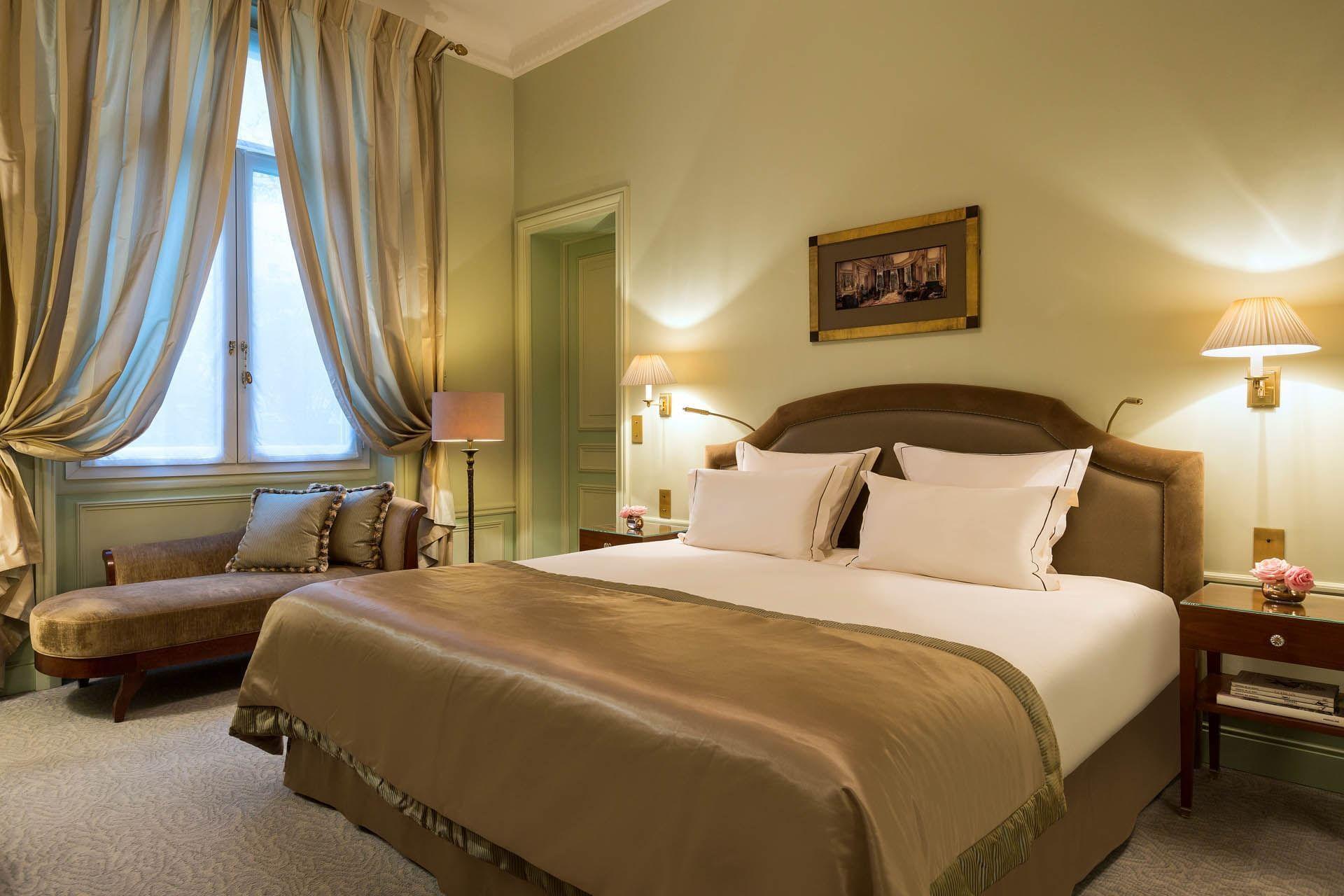 Lit d'une suite au Westminster Warwick Paris