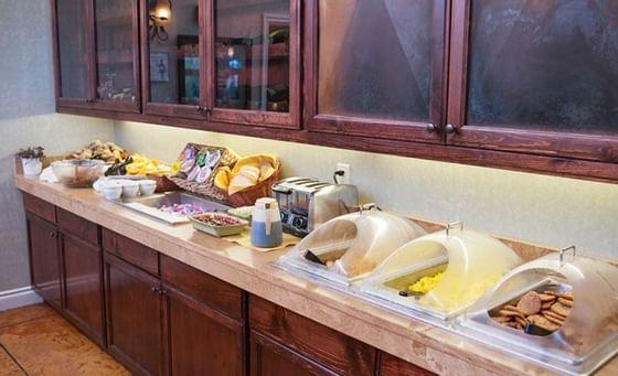 Breakfast at Oregon Garden Resort