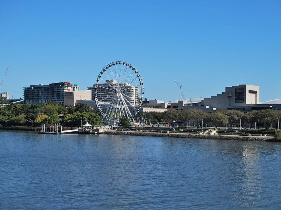 Ferris wheel and river in South Bank near George Williams Hotel