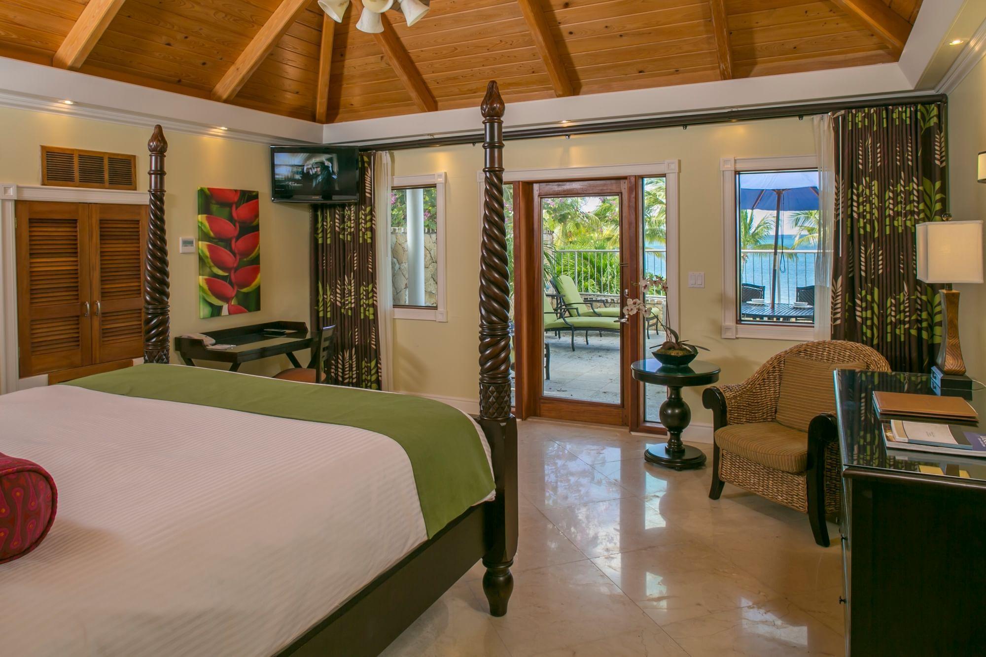 Ficus Suite Bedroom with terrace and ocean view
