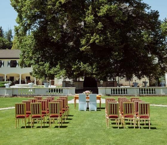 Hoochzeit im Schlosspark von Schloss PichlarnWedding at