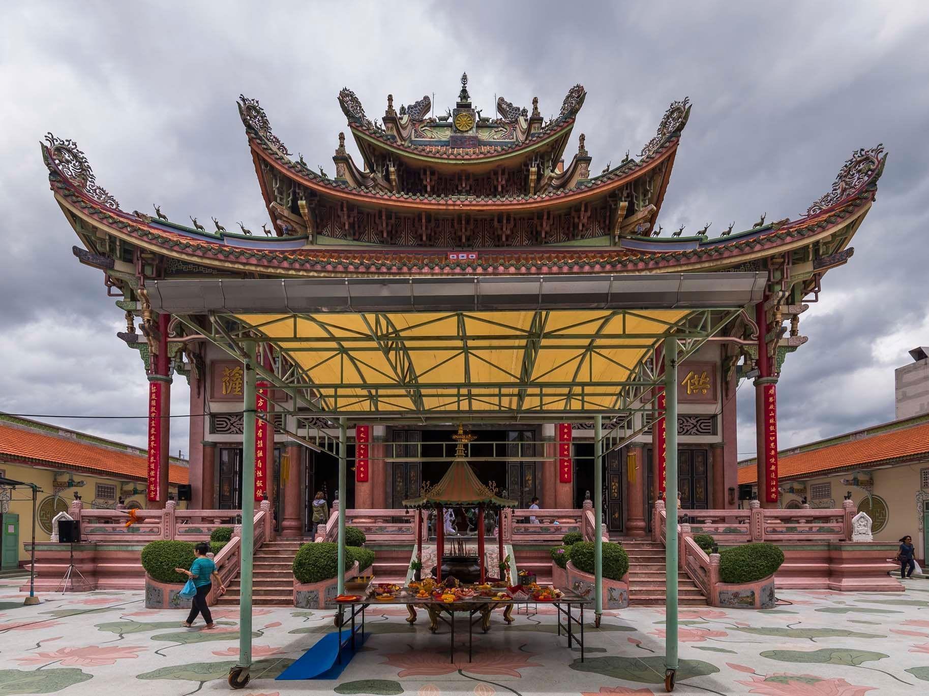 Exterior view of Wat Pho Man Khunaram near Chatrium Hotel Riverside Bangkok