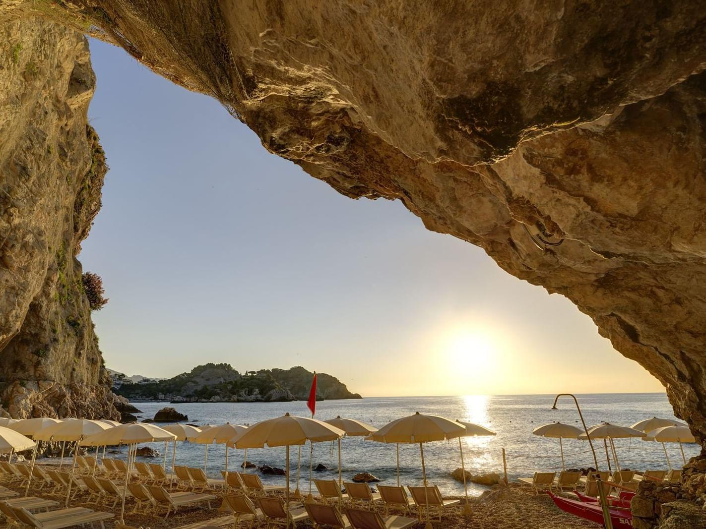 Viste mozzafiato sulla costa siciliana.