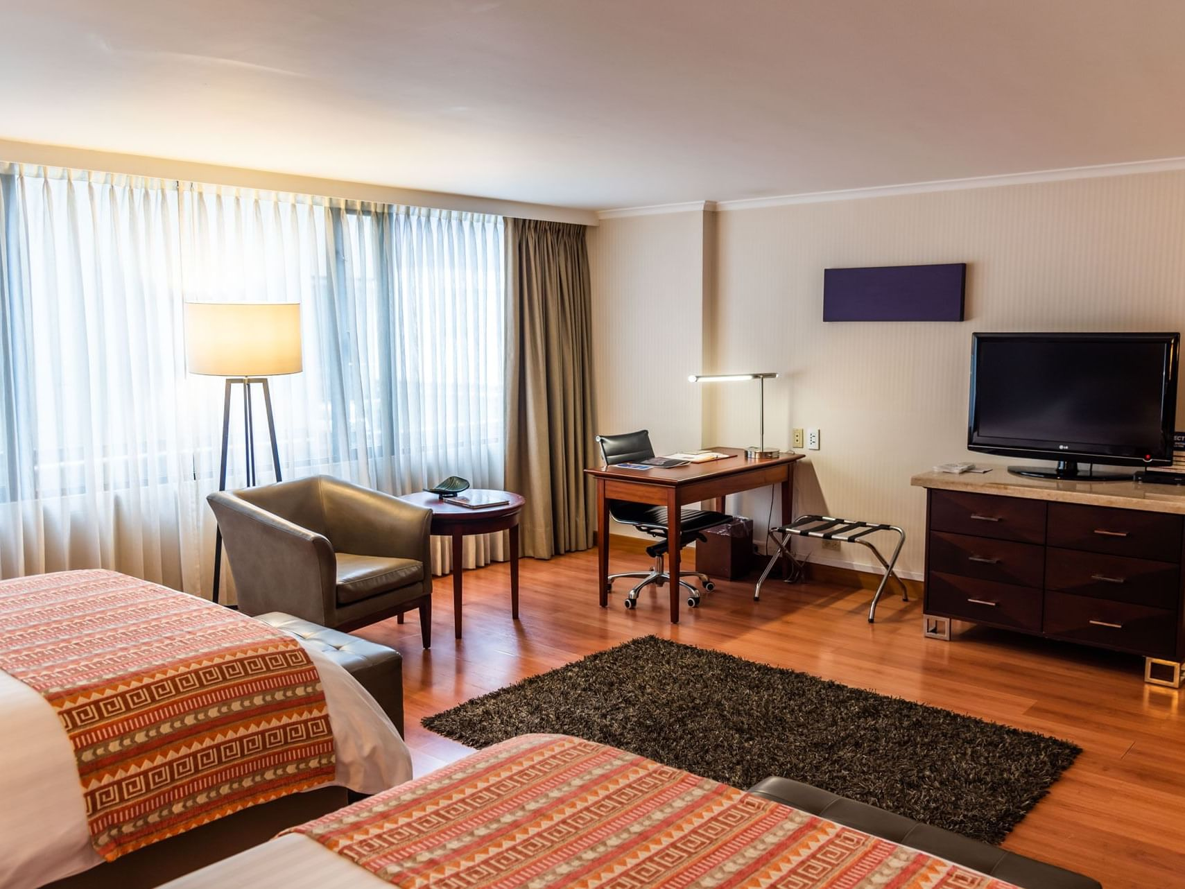 Double Double Handicap with Tv   at Bogotá Plaza Hotel
