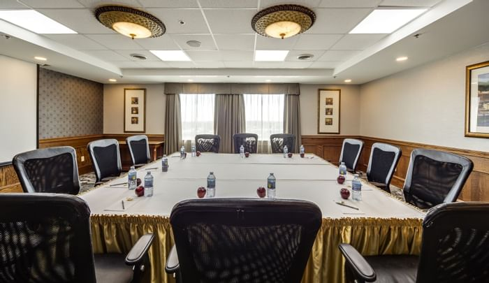 Meeting Rooms - Monte Carlo Inn Airport Suites