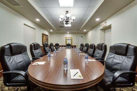 Meeting Room at Monte Carlo Inn Vaughan Suites