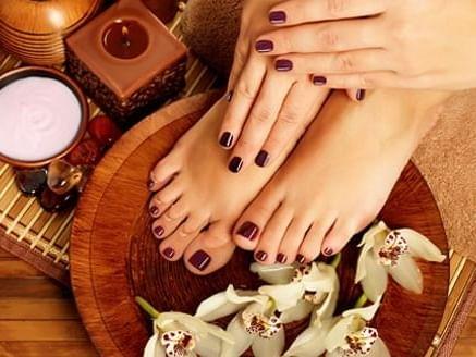 beautiful maroon manicure at Amora Hotel