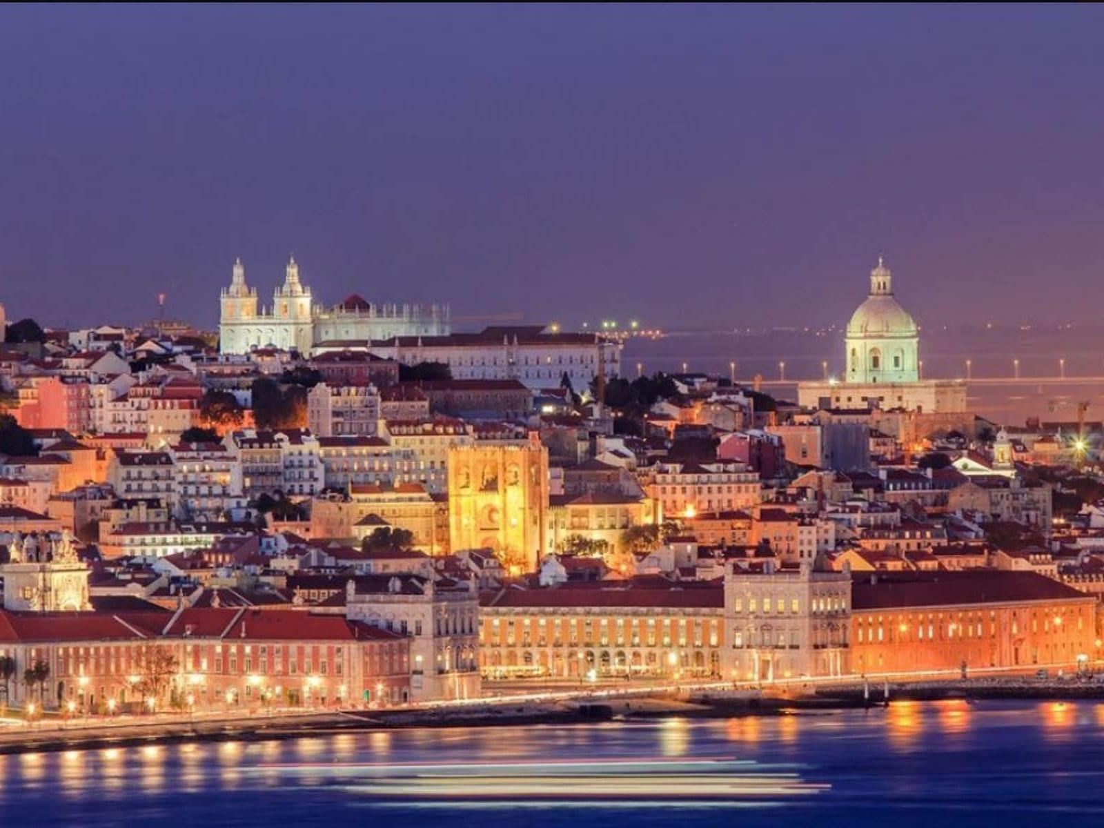 Vista de Lisboa por la noche